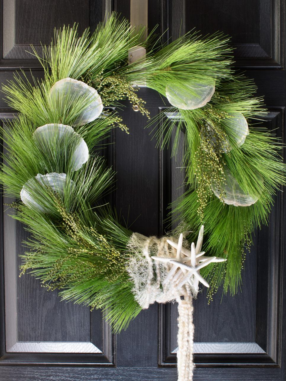 Coastal Christmas Decorations | HGTV