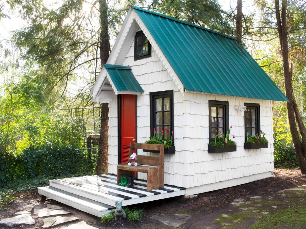 Low cost high impact ways to dress up a playhouse for Tiny house plans cost to build