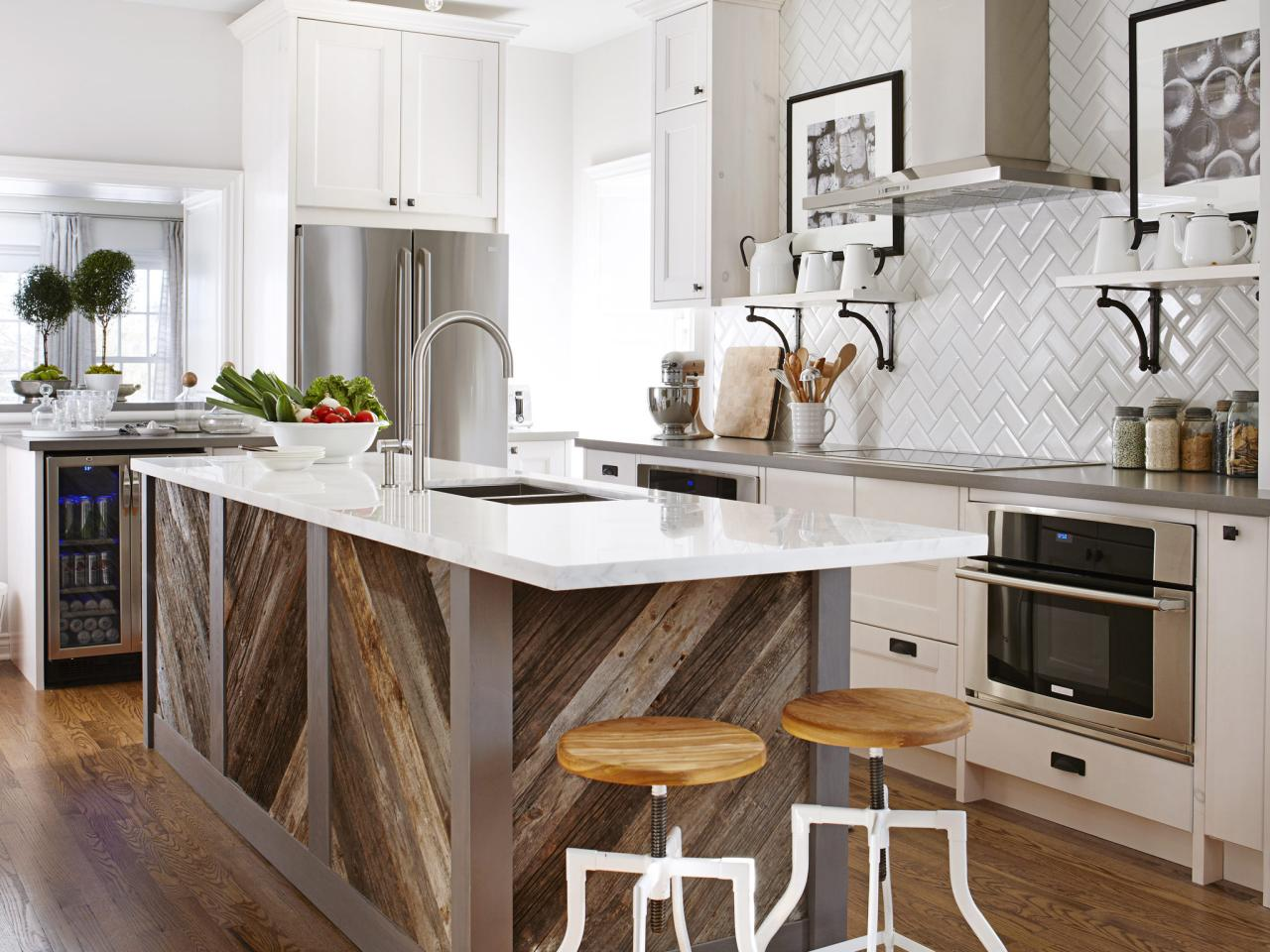 Kitchen design tips from hgtv 39 s sarah richardson kitchen for Kitchen ideas pinterest