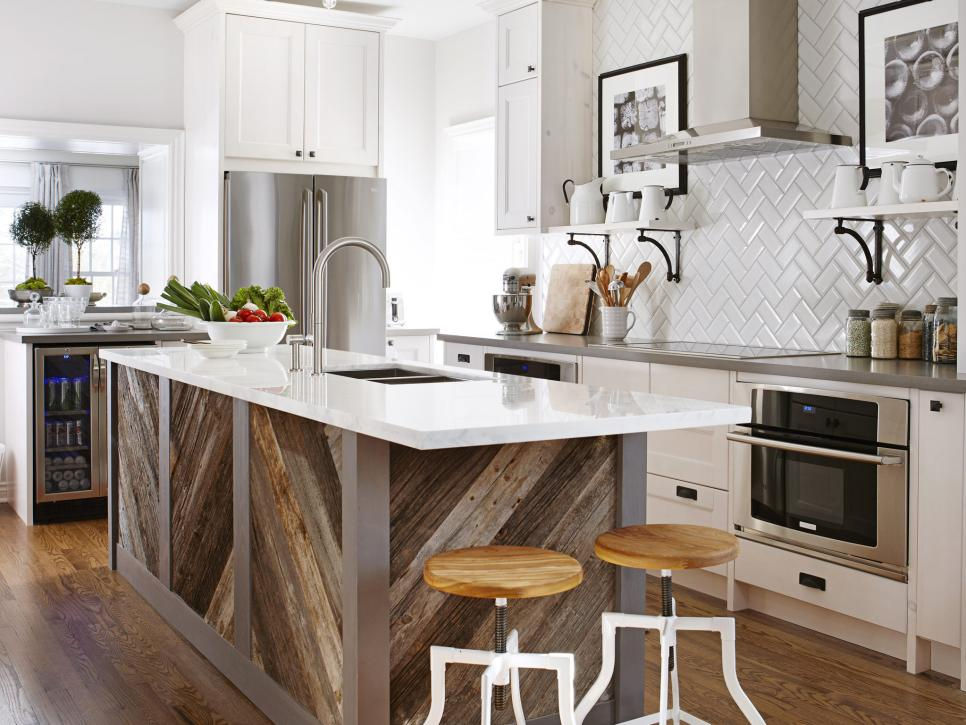 Kitchen design tips from hgtv 39 s sarah richardson hgtv for Hgtv kitchens