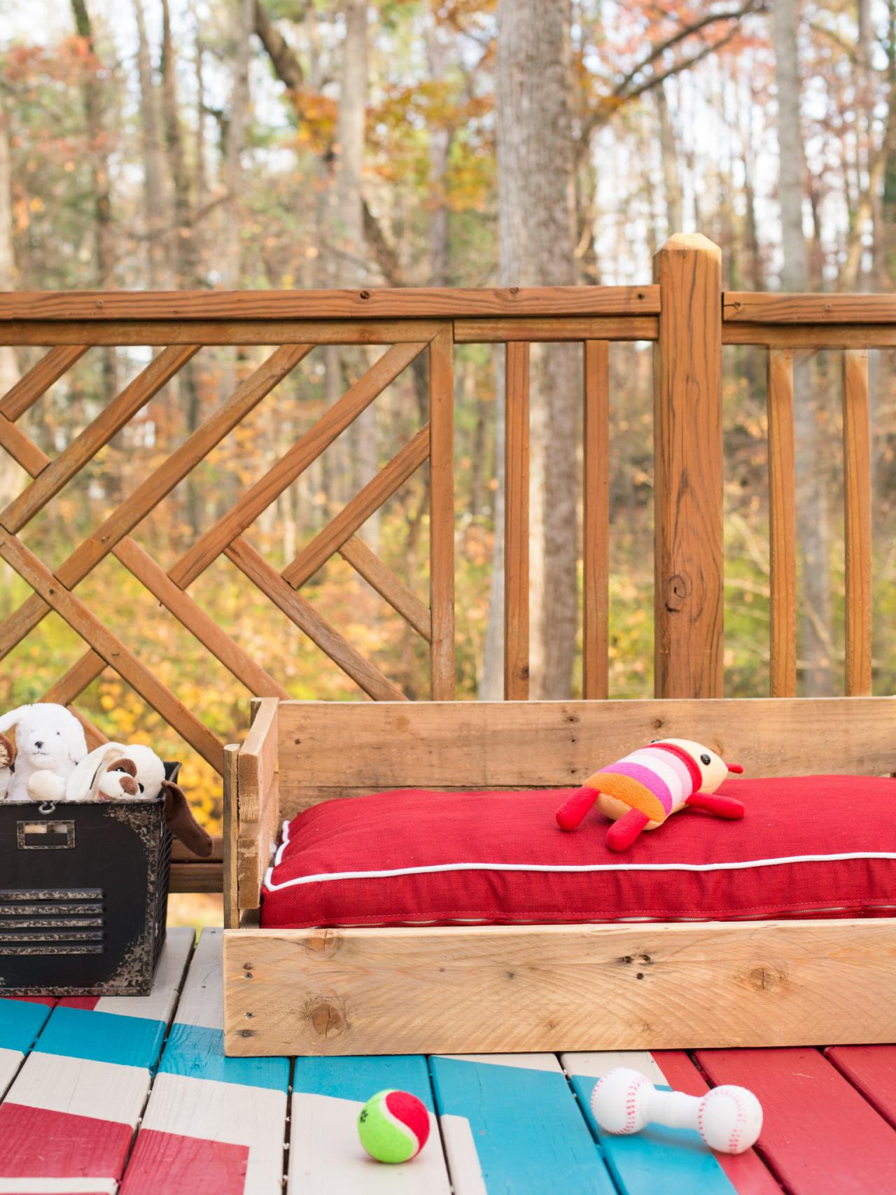 upcycle wood pallets into a cozy outdoor dog bed bedroomeasy eye upcycled pallet furniture ideas