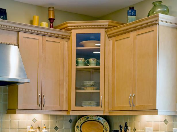 Corner Kitchen Cabinets Pictures Ideas  Tips From HGTV HGTV - Corner kitchen cabinet ideas