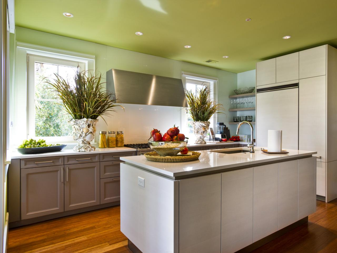 Coastal kitchen design pictures ideas tips from hgtv for Kitchens by design