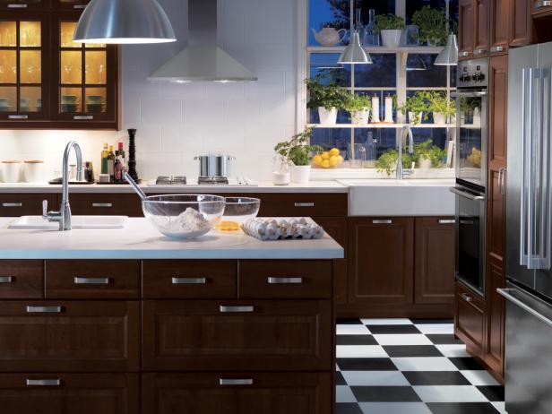 IKEA_Wood-Cabinets-Checkered-Floor-Kitchen_4x3