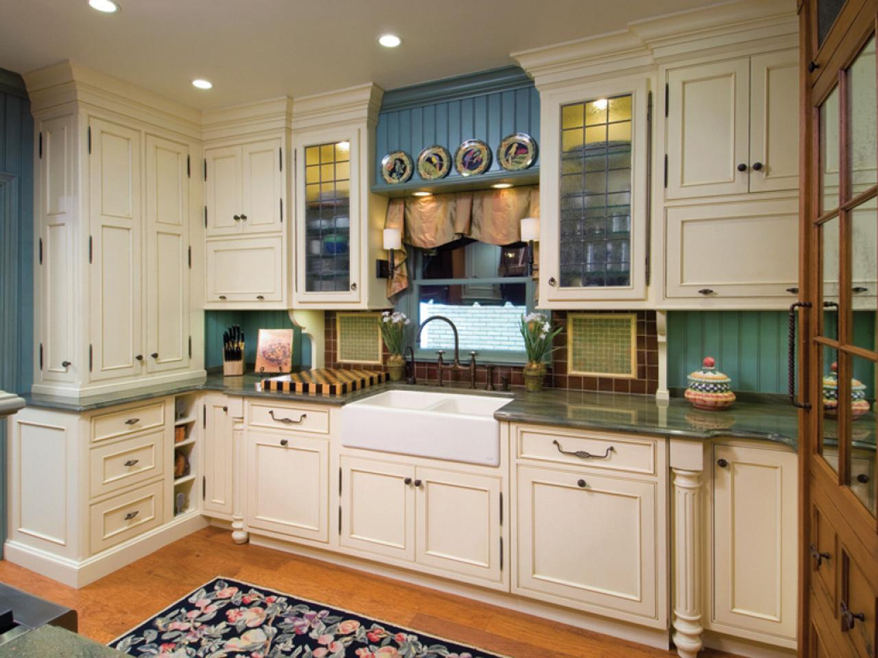 Painting kitchen backsplashes pictures ideas from hgtv Look for design kitchen
