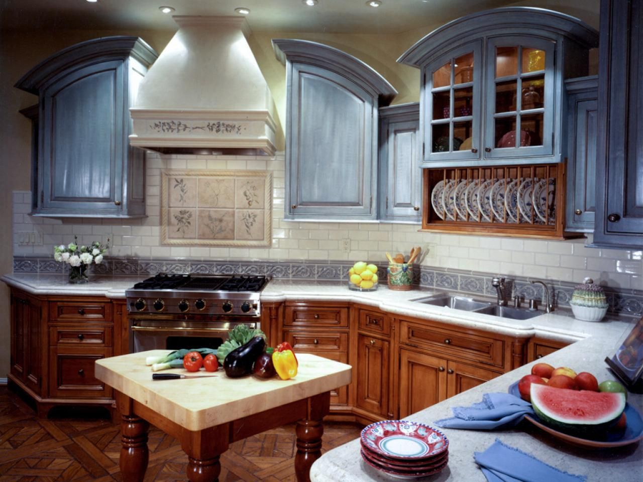 Painting kitchen cabinet doors pictures ideas from hgtv hgtv for Kitchen cabinet options design