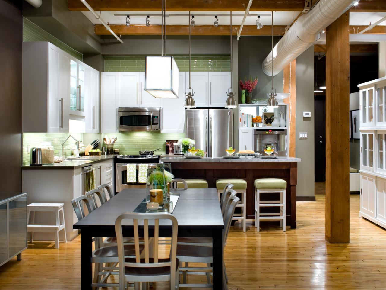 L shaped kitchen design pictures ideas tips from hgtv for Kitchen dining room ideas