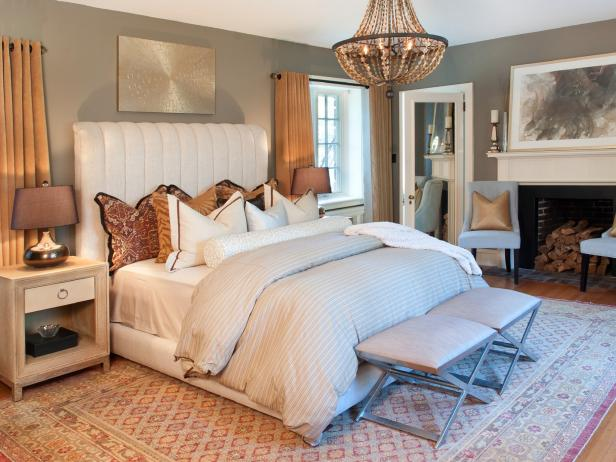 Create a Regal Feel In a Luxurious White and Gold Bedroom
