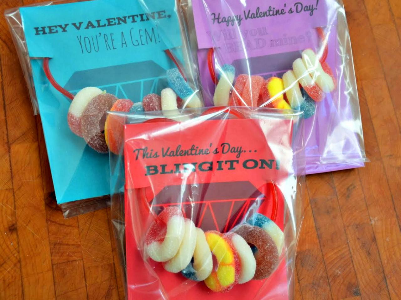 Kids Craft Candy Necklace Valentines – Valentines Cards with Candy