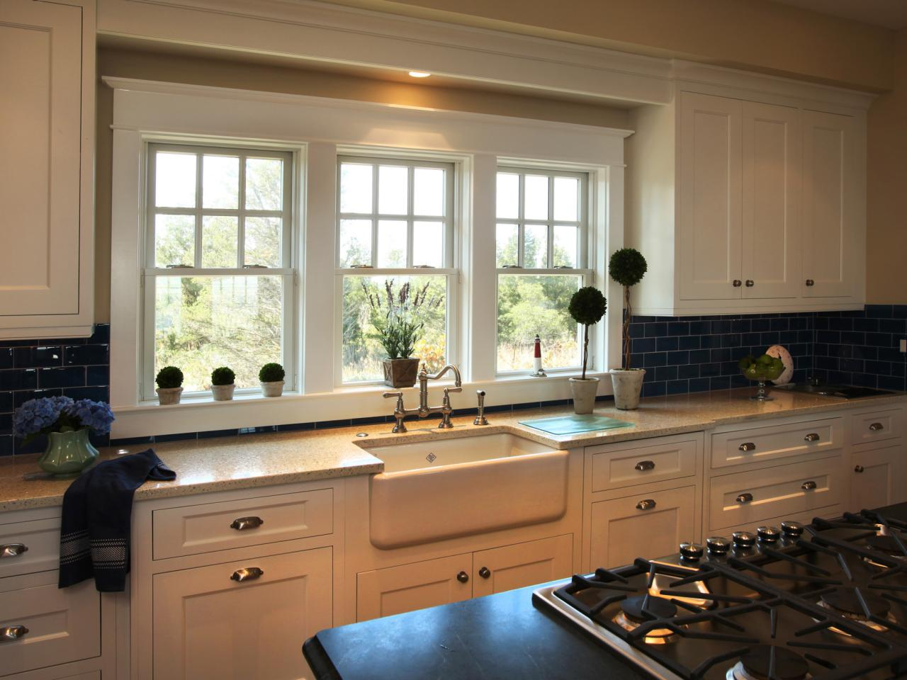 Kitchen window ideas pictures ideas tips from hgtv hgtv for Kitchen ideas no window