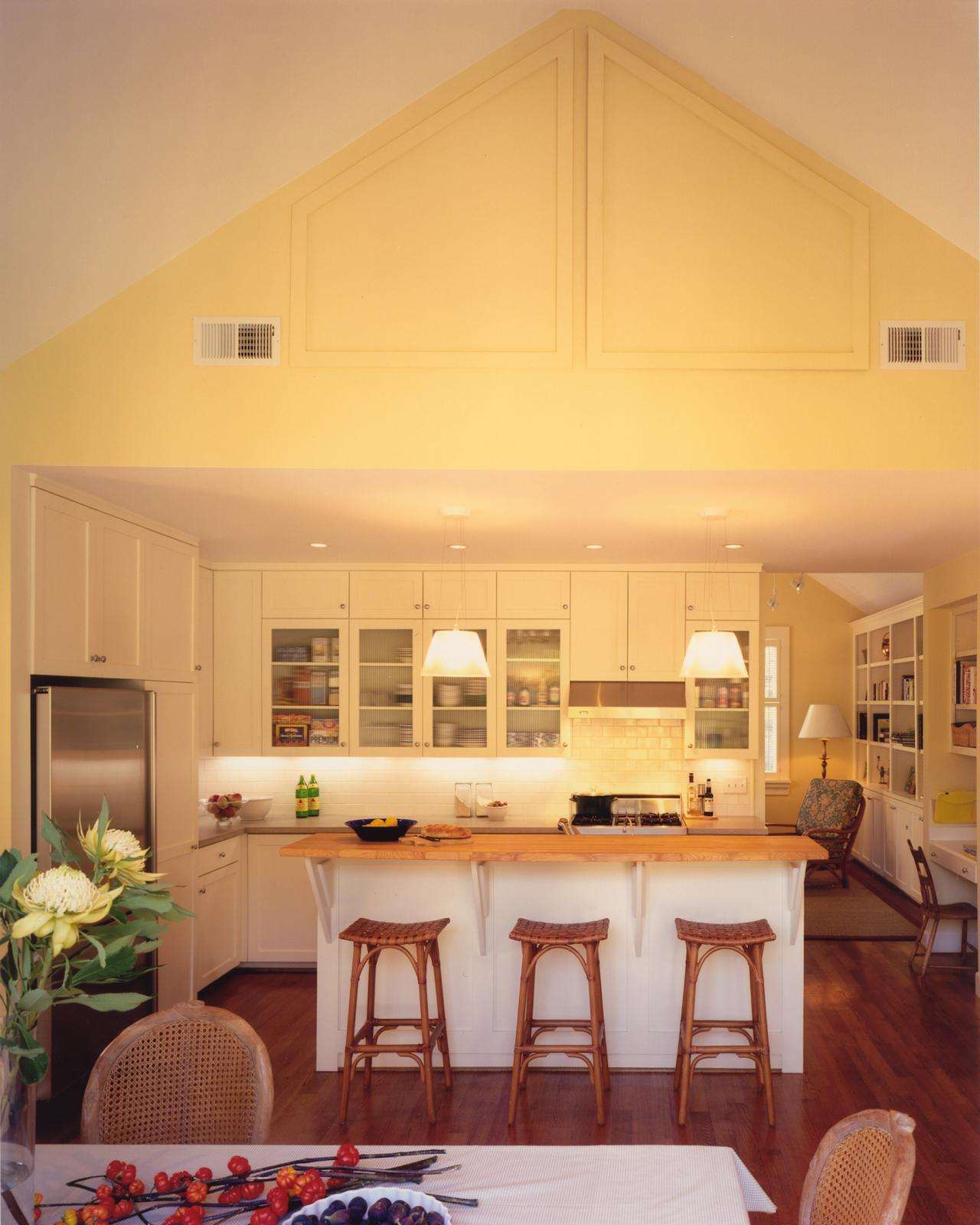 White Kitchen Vaulted Ceiling: Photos