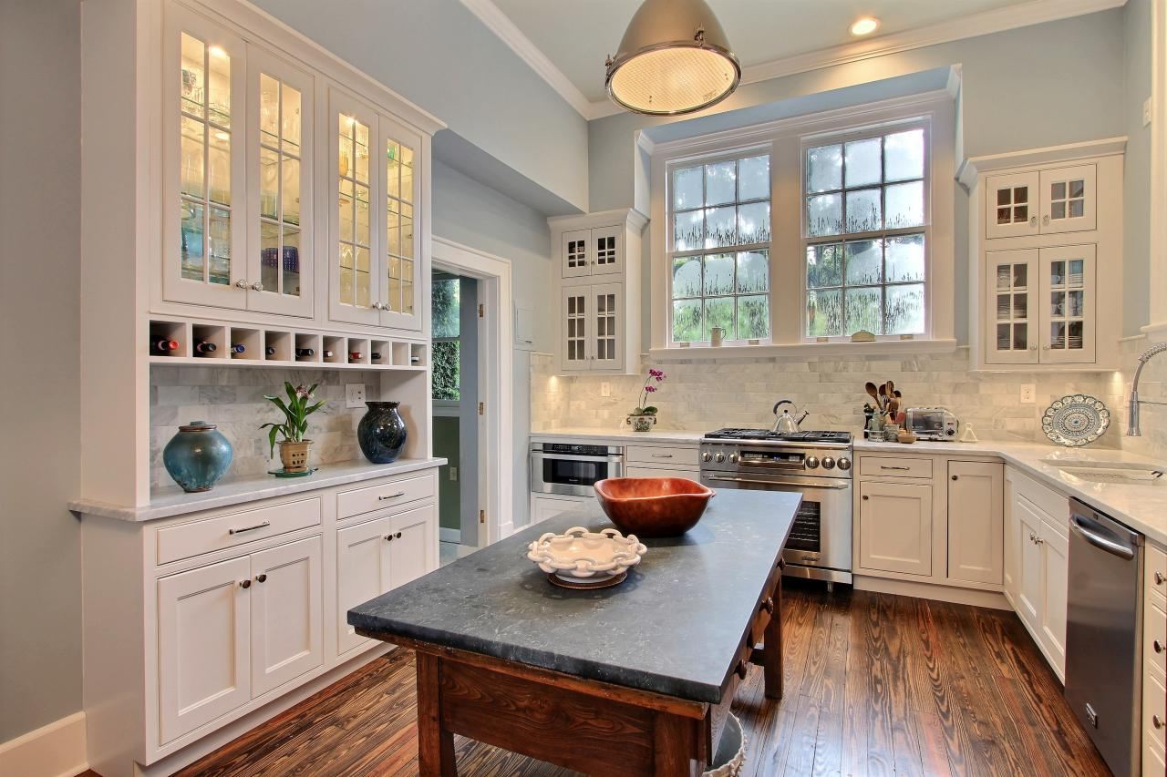 Best kitchen 2014 hgtv for Popular kitchen designs