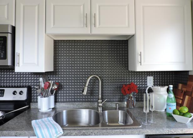 Small Contemporary Kitchen With Textured Backsplash