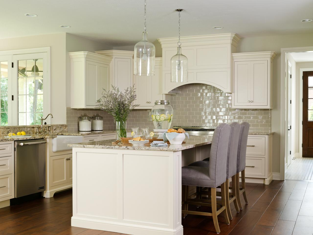 Best kitchen 2014 hgtv for Kitchen tradition