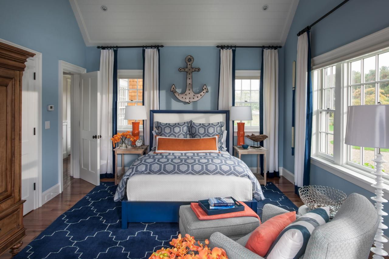 Bedroom designs for couples in blue - Use Your Favorite Colors