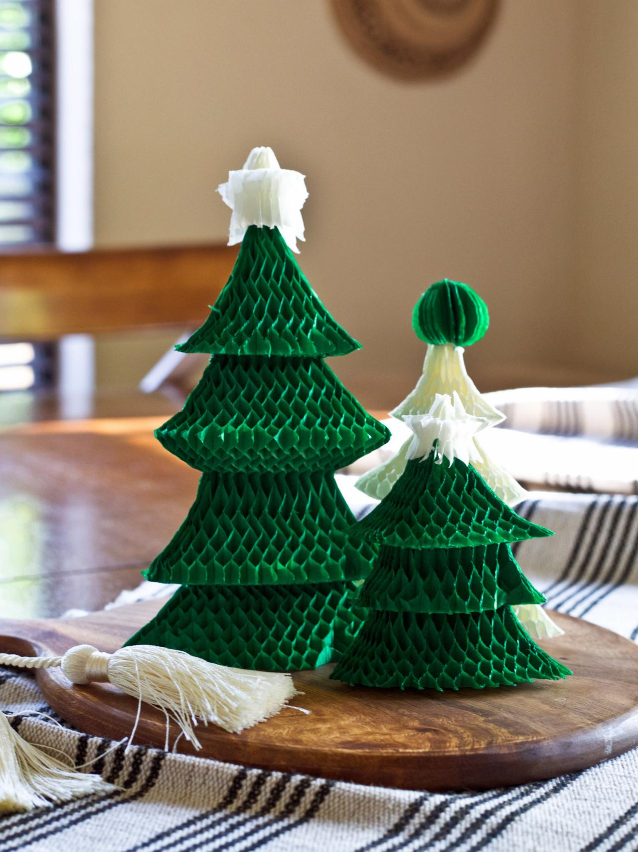 How To Make An Easy Christmas Tree Centerpiece Hgtv