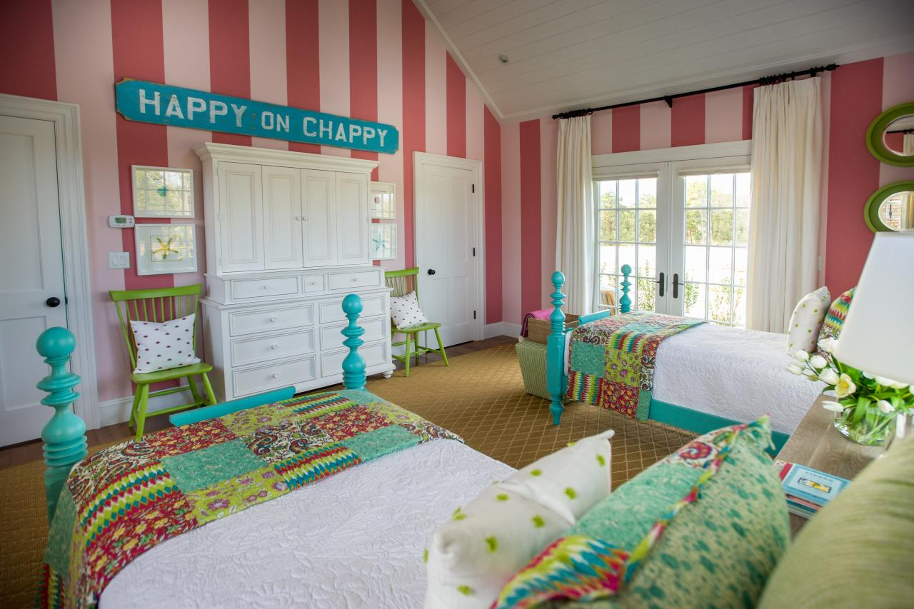 Hgtv 2015 dream house a classic cape on martha 39 s vineyard decor10 blog - Colors for kids room ...
