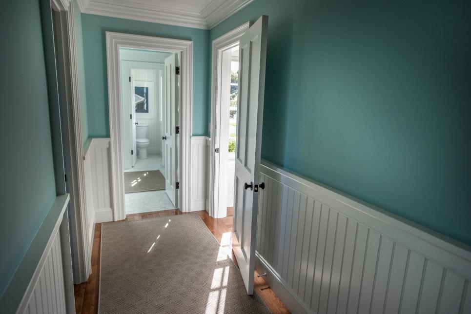 Hgtv dream home 2015 master bathroom hgtv dream home for On trend bathroom colours