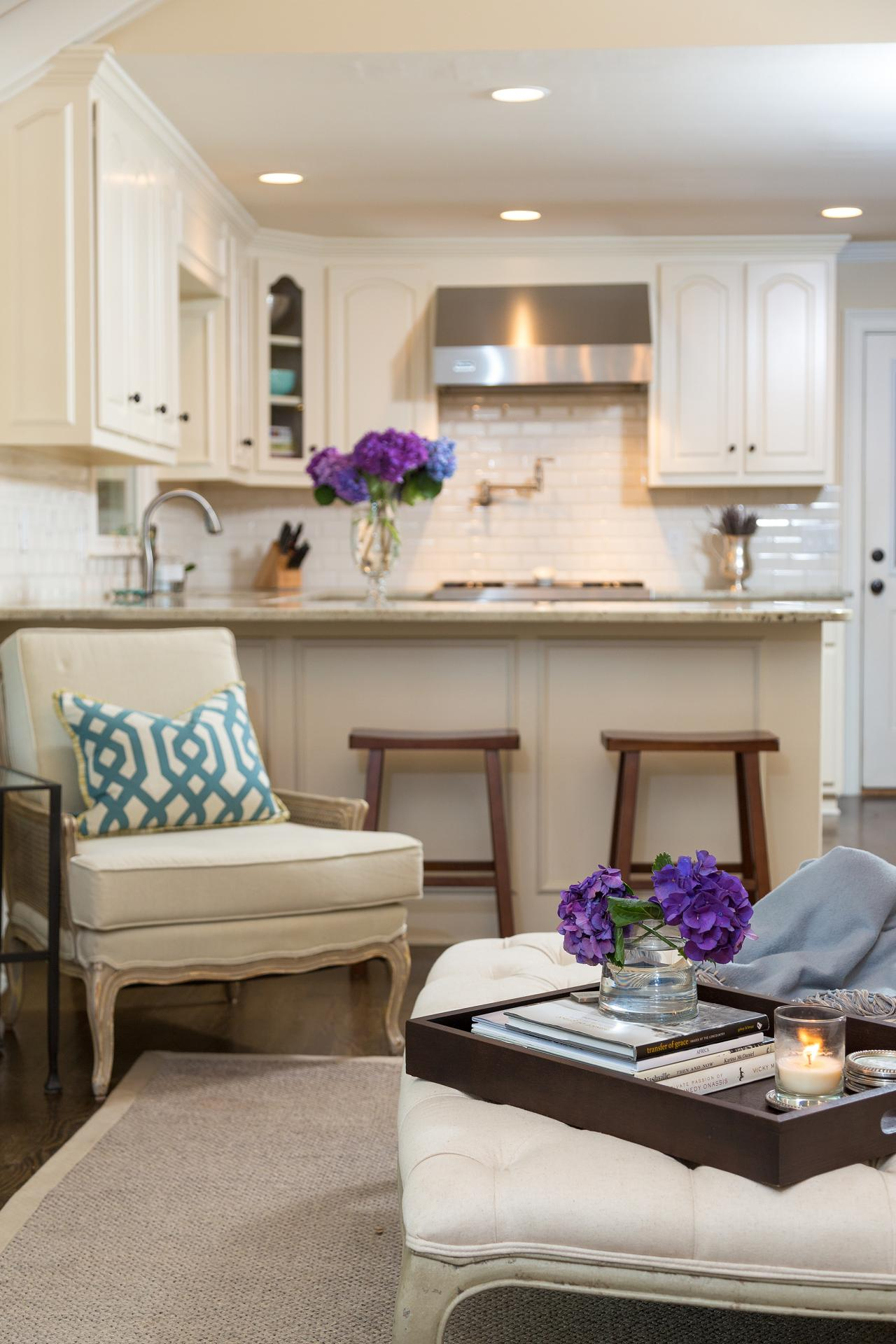 Traditional Living Room Adjacent to Small Kitchen | HGTV