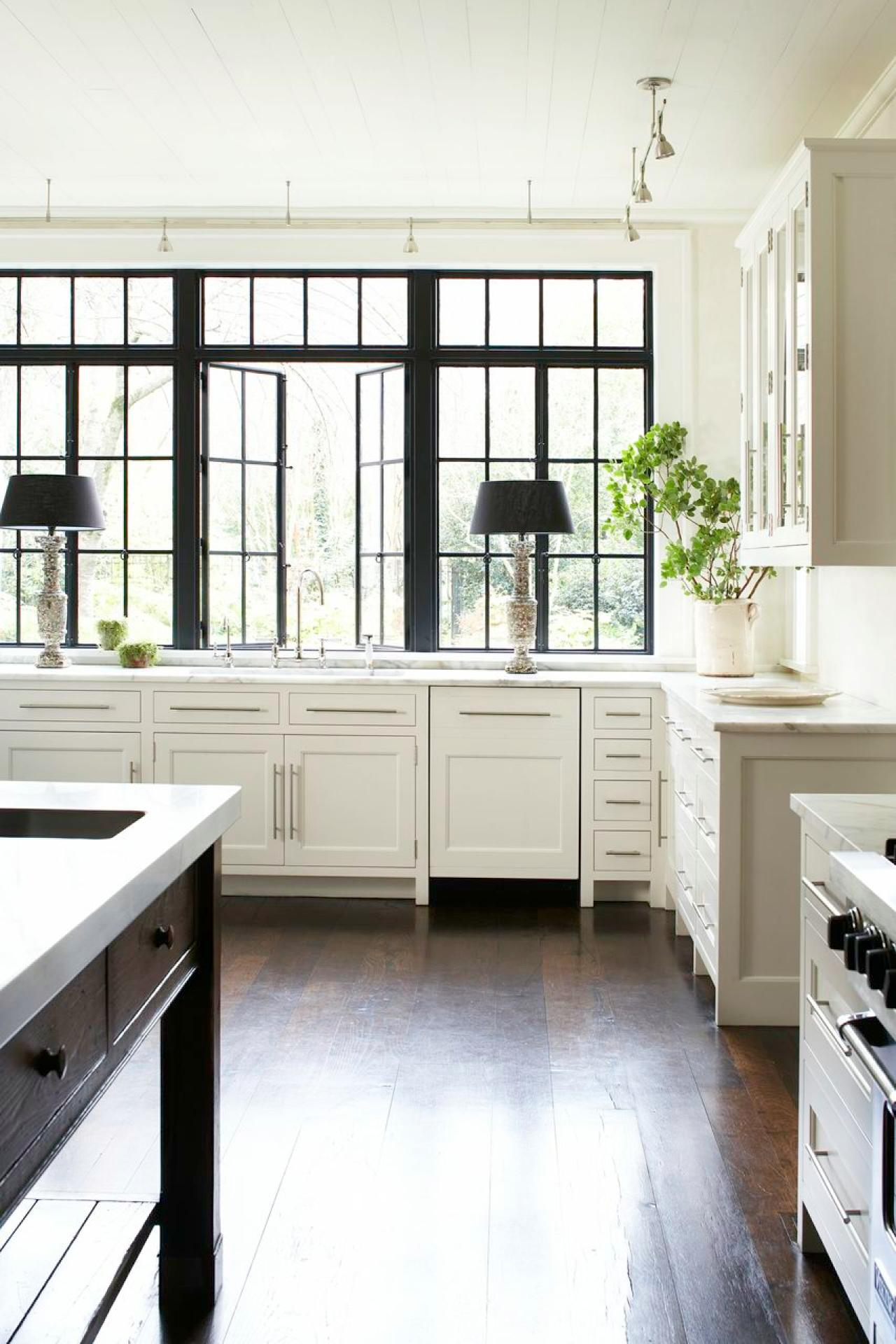 Carter kay atlanta kitchen windows.jpg.rend.hgtvcom.1280.1920
