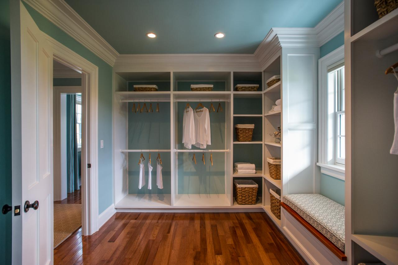 Hgtv dream home 2015 master closet hgtv dream home 2015 for Master bathroom designs with walk in closets