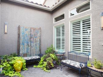 Stucco Courtyard With Sitting Area