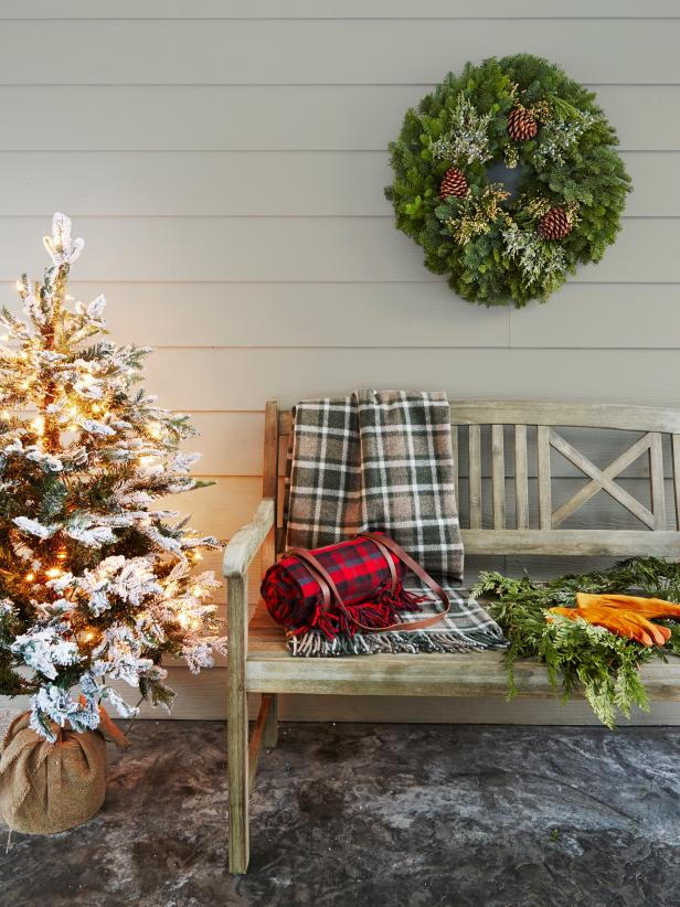Rustic Holiday Entryway Porch