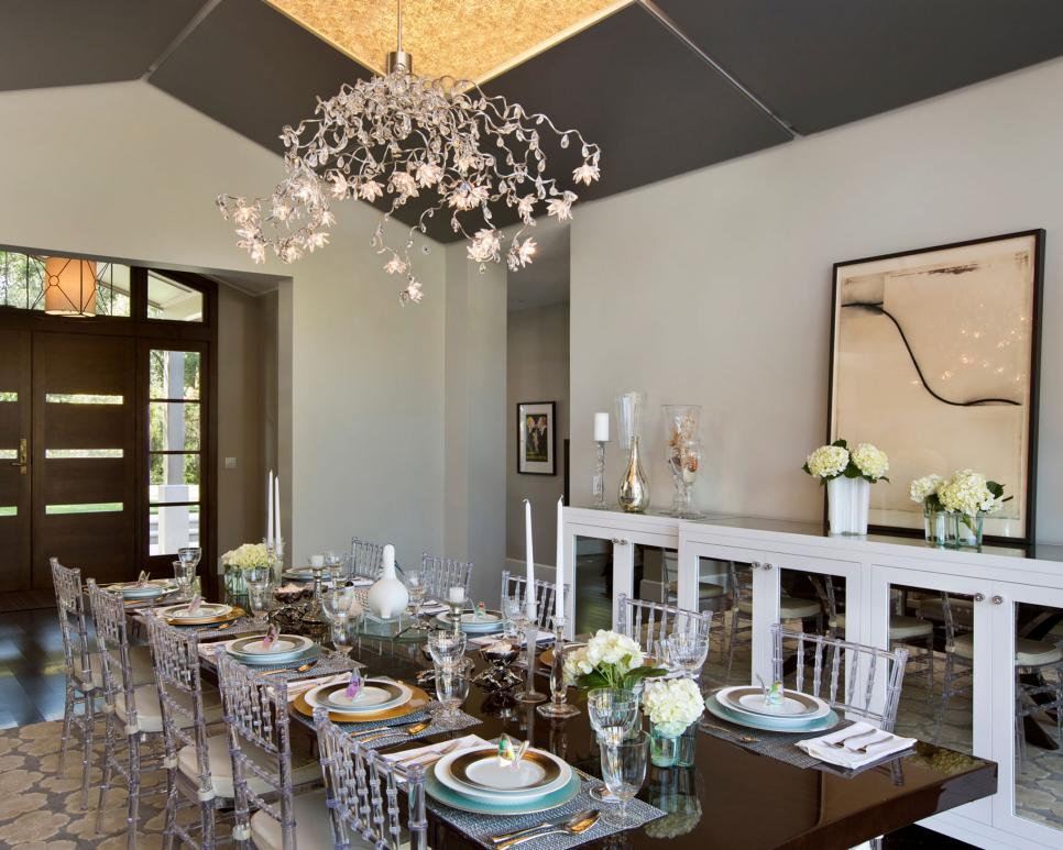 Dining room lighting designs hgtv for Dining room colors