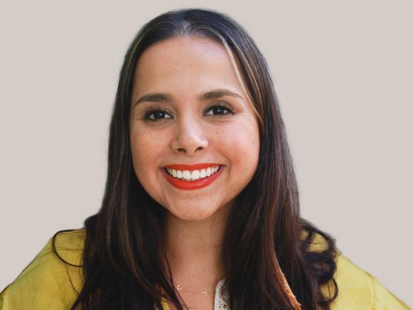 Blogger Camila Pavone