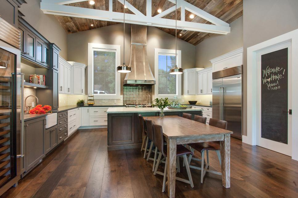 2015 nkba people 39 s pick best kitchen hgtv for Popular kitchen designs