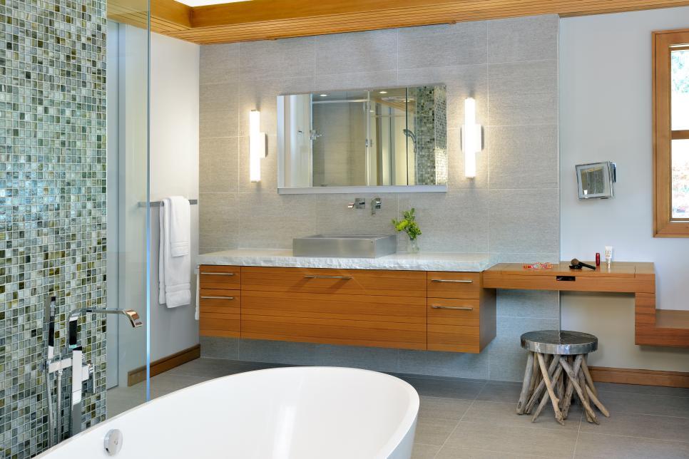 2015 nkba people 39 s pick best bathroom hgtv for Bathroom ideas uk 2017