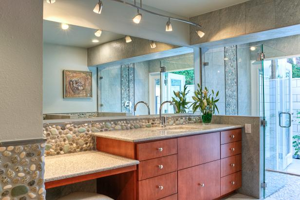 Photo page hgtv for Using track lighting in bathroom