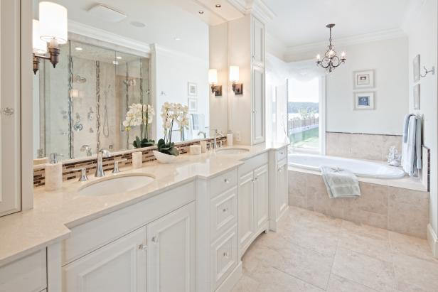 Elegant Traditional White Bathroom With Double Vanity
