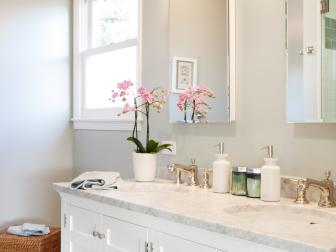Transitional Bathroom Features Crisp White Vanity