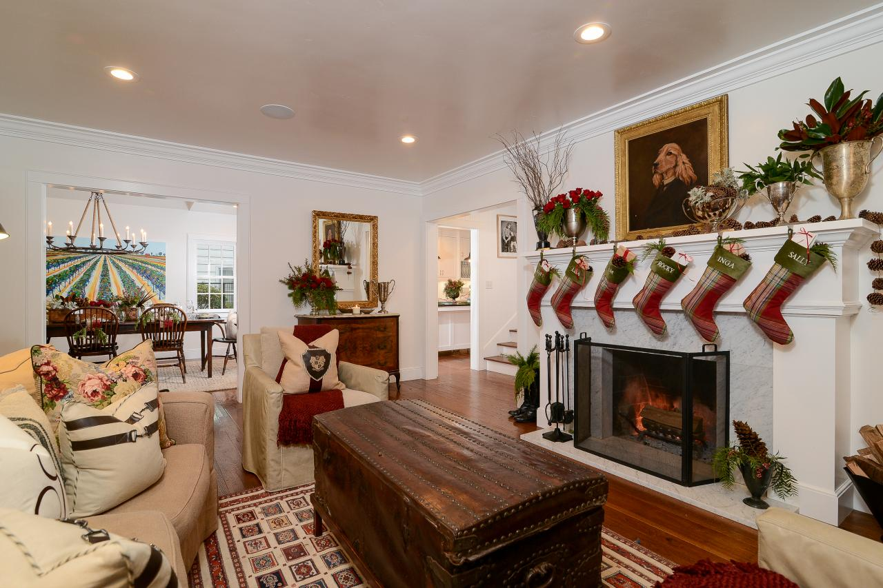 tour this equestrian themed farmhouse decked out with christmas