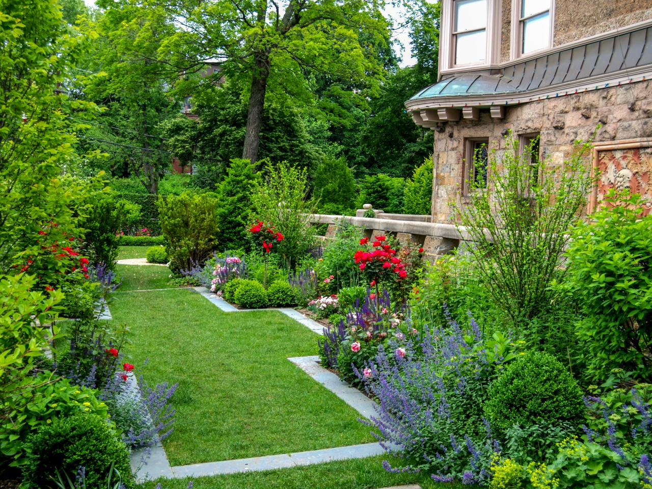 Photos hgtv for Formal landscape design