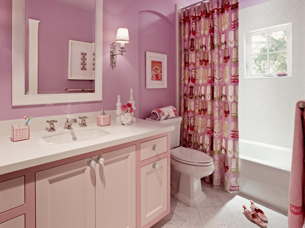 Pink Bathroom Tile Decorating Ideas : Reasons to love retro pink tiled bathrooms hgtv s