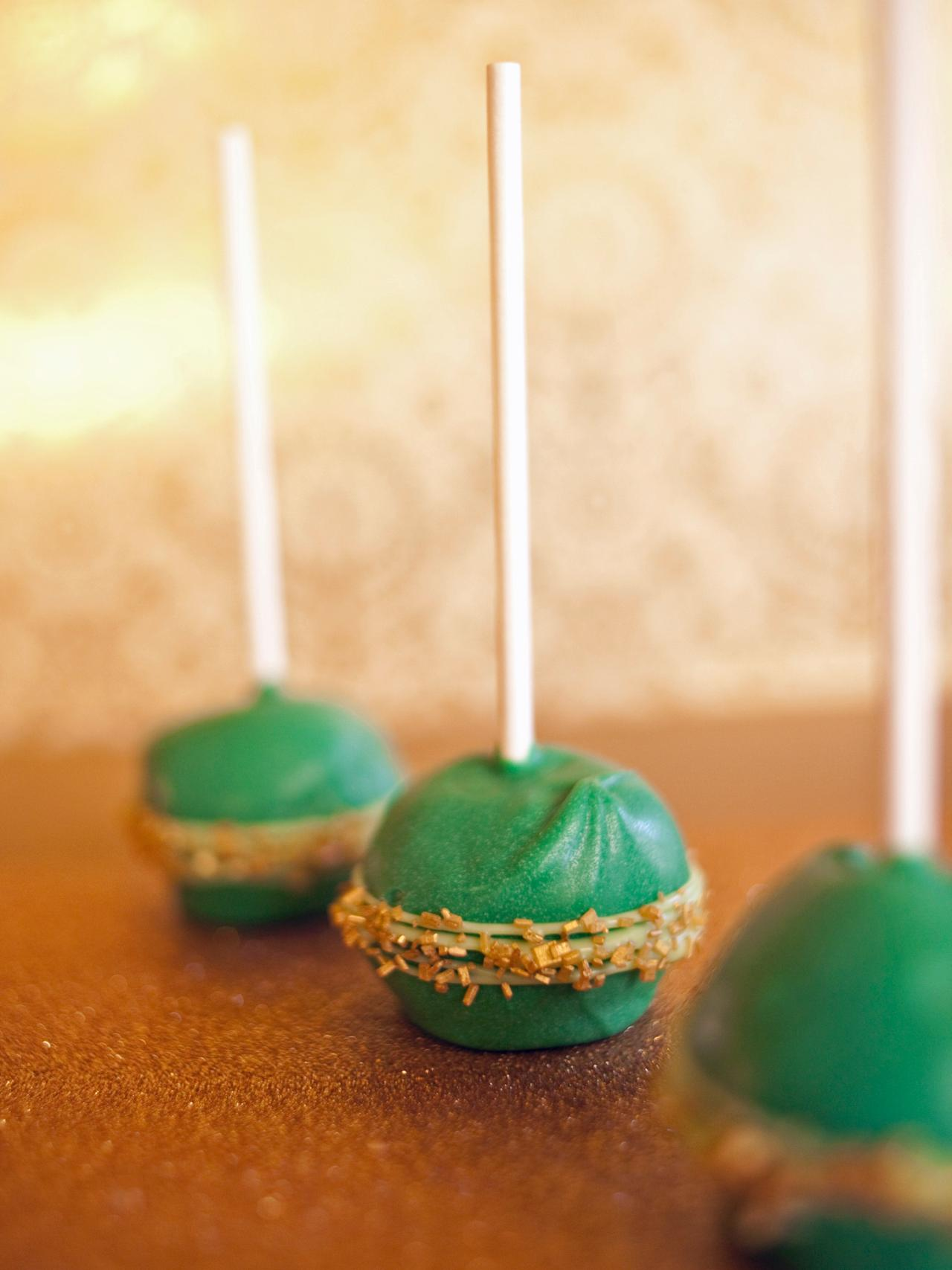 How To Decorate Cake Pops With Regular Frosting