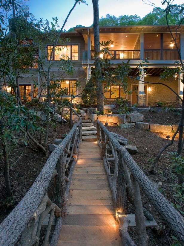 Mountain Home With Outdoor Walking Bridge