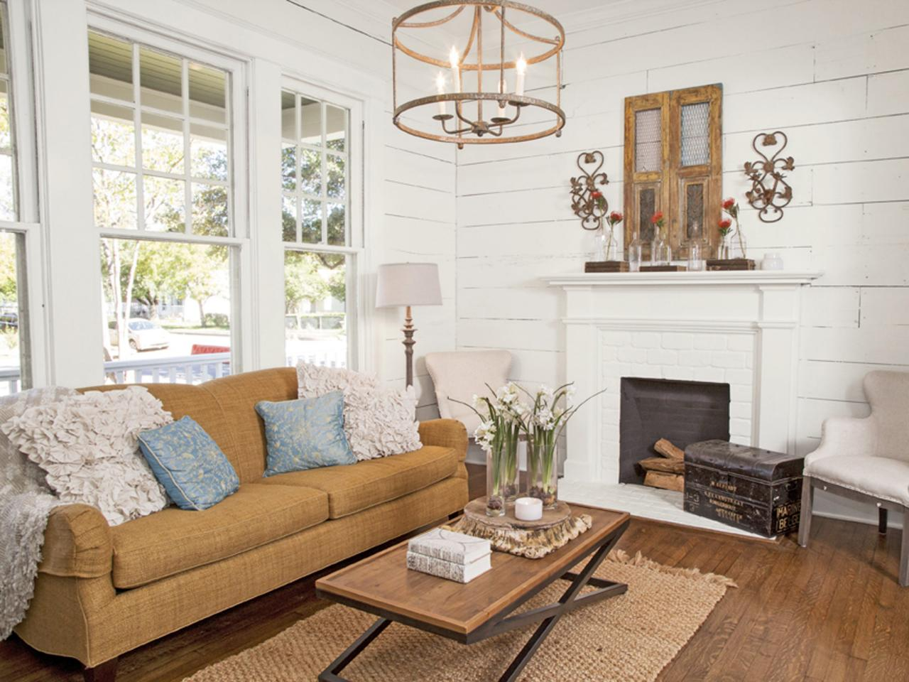 Joanna Gaines Home Design get the fixer upper look 43 ways to steal joannas style hgtvs fixer upper with chip and joanna gaines hgtv Introducing Hgtvs Fixer Upper Star Joanna Gaines Hgtvs Decorating Design Blog Hgtv