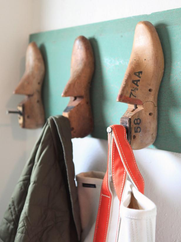 Turquoise Coat Rack With Old-Fashioned Wooden Shoe Mold Hangers