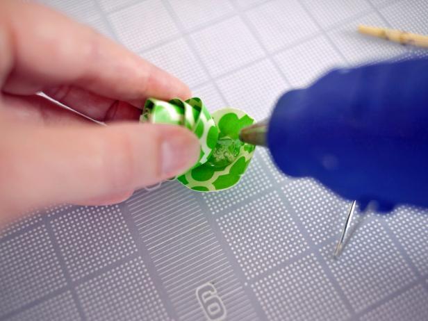 Glue Paper Flower End