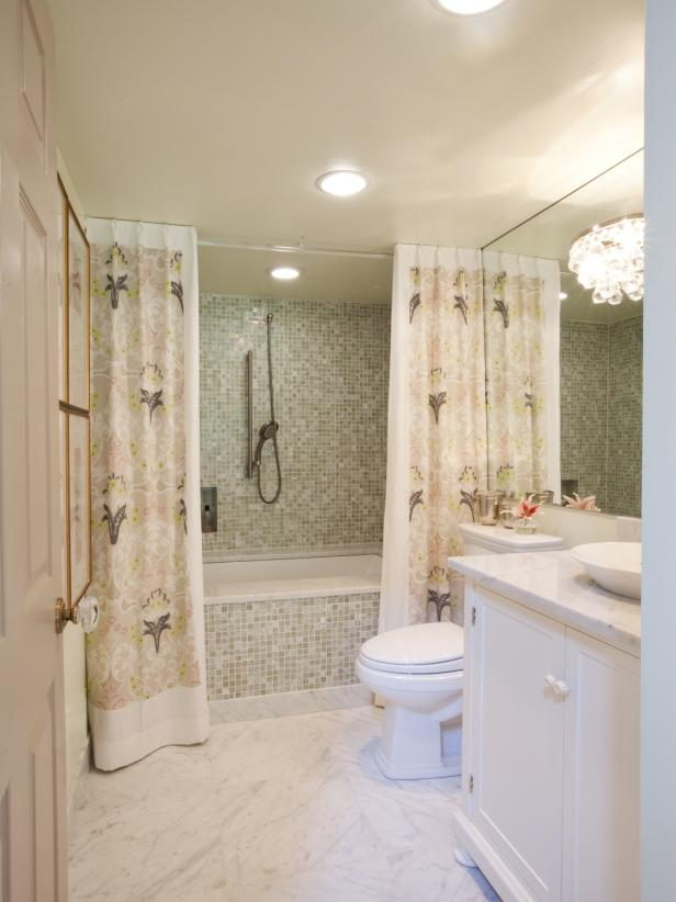 Bathroom With Damask Shower Curtain