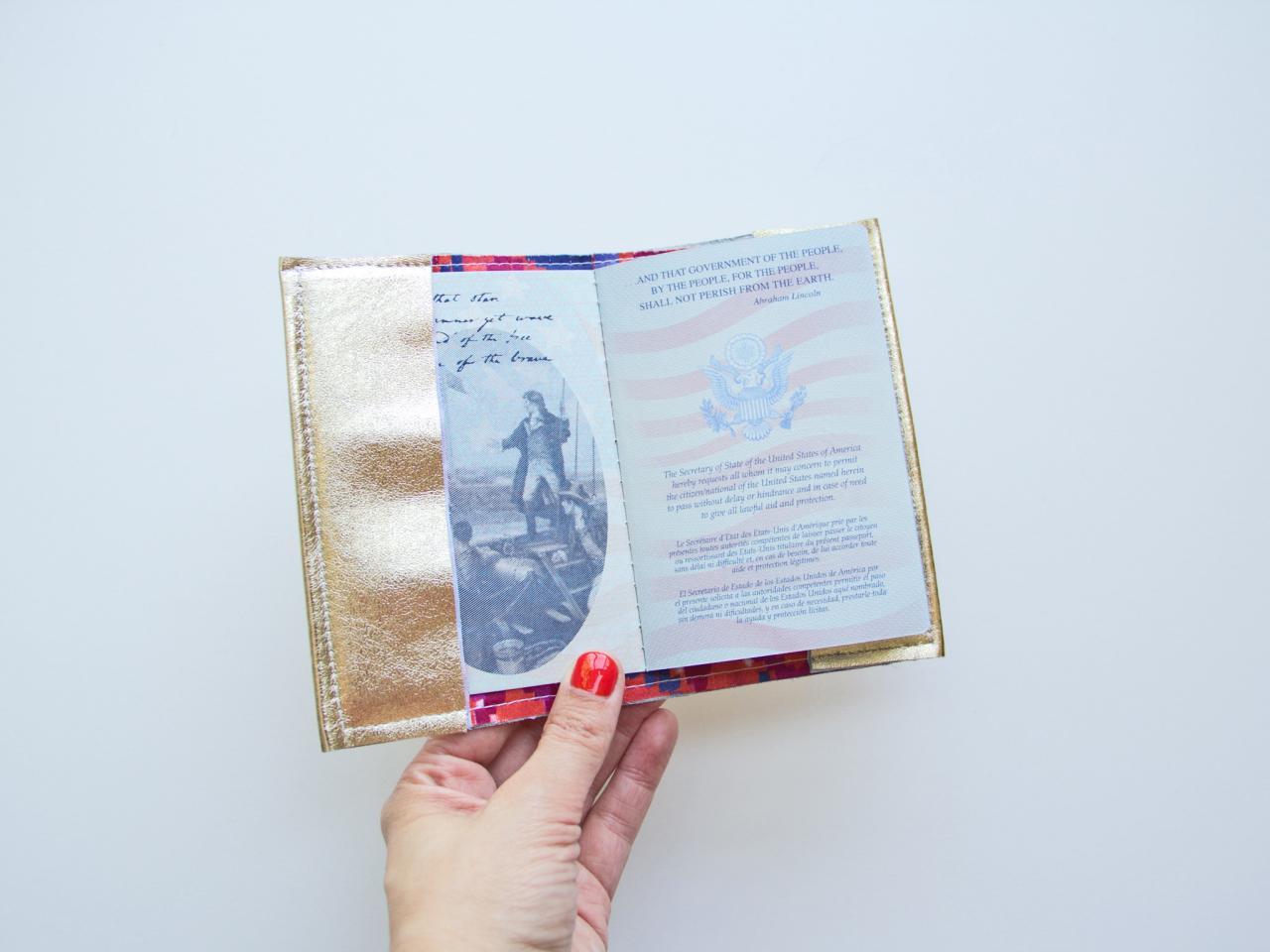 Как украсить паспорт своими руками 15