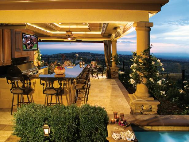 Luxurious Outdoor Kitchen and Bar With a View