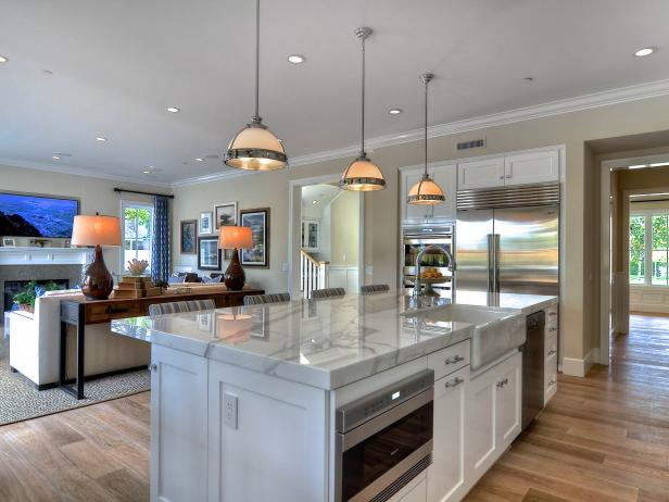 Spacious Kitchen Island Overlooking a Family Room