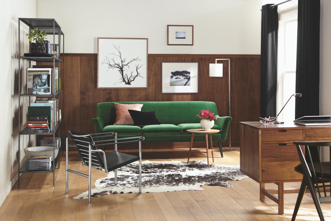 5 Apartment Sized Sofas That Are Lifesavers | HGTV\'s Decorating ...