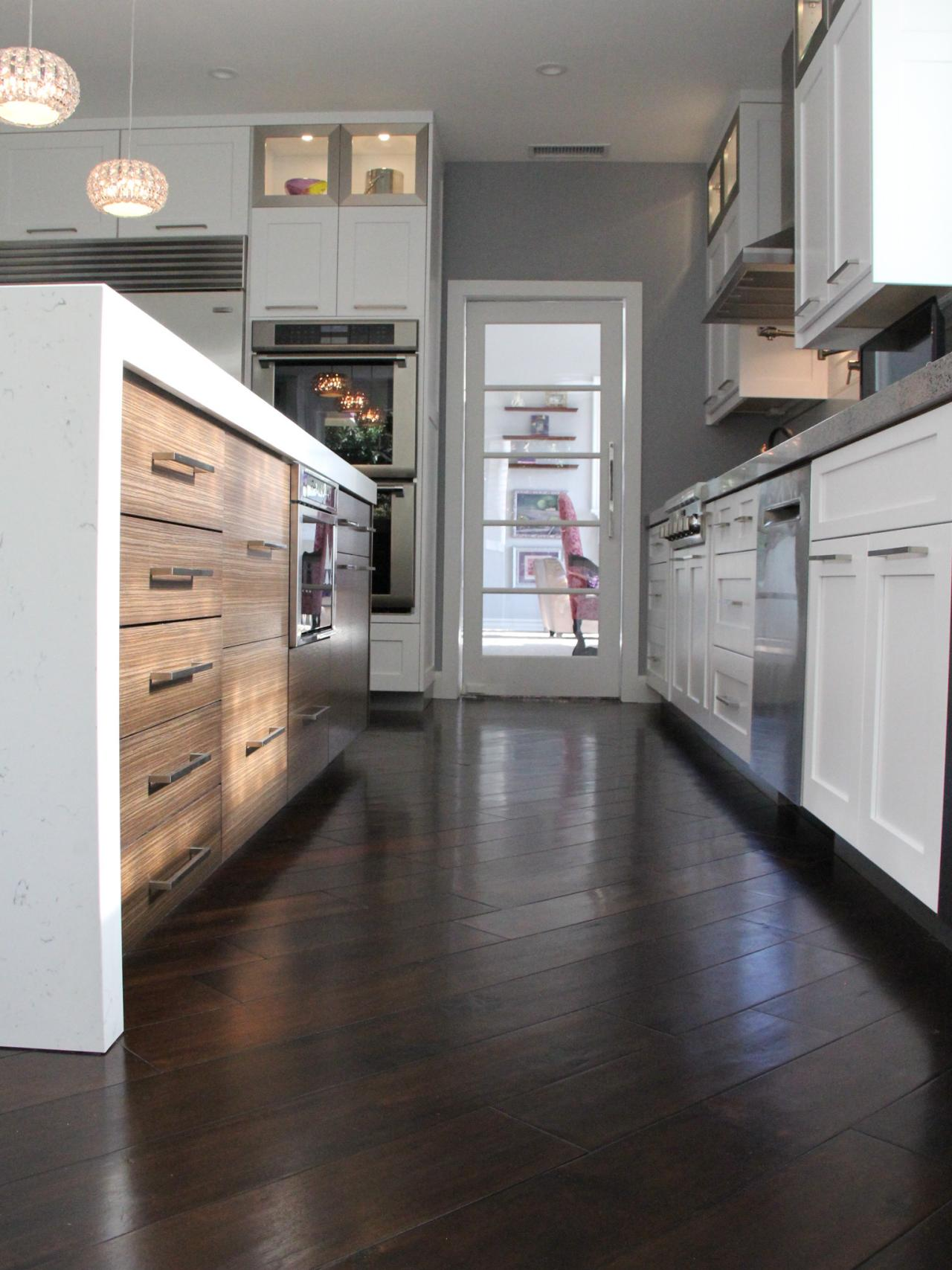 White Kitchens With Wood Floors White Kitchen Cabinets Hardwood Floors Quicuacom