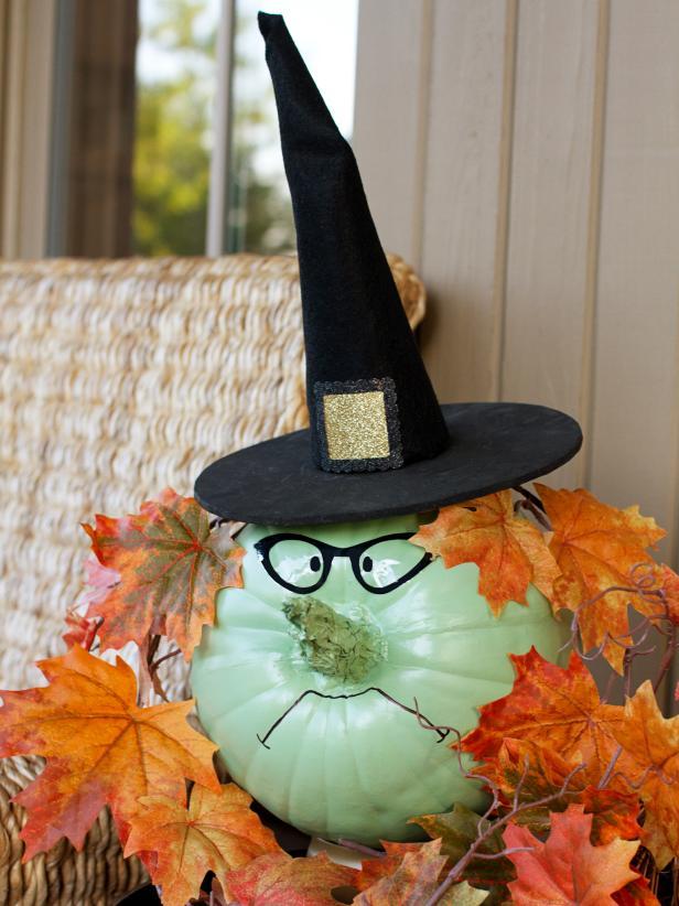 How to Make a Bewitching Halloween Pumpkin