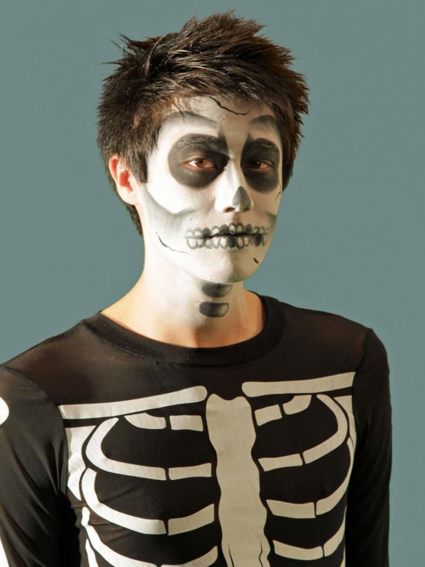 Scary Skeleton Halloween Makeup
